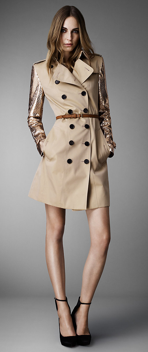 SHOP WOMEN'S TRENCH COATS
